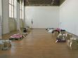Matky a Otcové nabízejí, pohled do instalace, Galerie VŠUP, 2002, foto: autoři