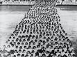 Stadion des Unternehmens Baťa, junge Frauen beim Turnen, Mitte der 1930er Jahre, KGVUZ