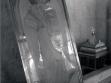 Anonymer Vorschlag für ein Grigore-Vieru-Denkmal. Ausgestellt in der Halle des Ginta-Latina-Theaters (Foto des Autors, Sommer 2010).